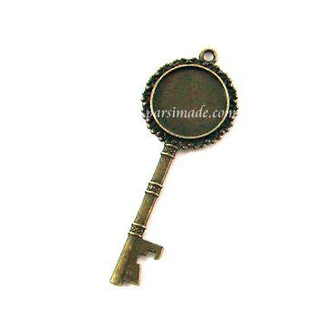 قاب برنزی گردنبند طرح کلید 2